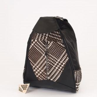 КОД : 0028B Мини дамска раница от естествена кожа и естествен косъм в черен цвят