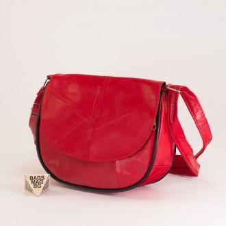 КОД: 0031 Малка дамска чанта от естествена кожа на парчета в червен цвят
