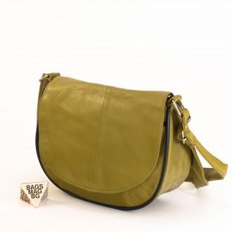 КОД: 0031 Малка дамска чанта от естествена кожа на парчета в маслено зелен цвят