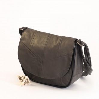 КОД: 0031 Малка дамска чанта от естествена кожа на парчета в цвят сребро