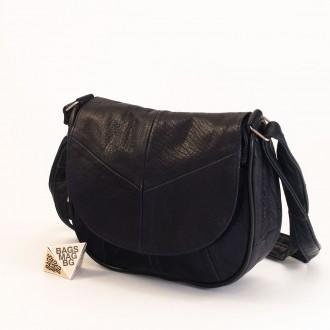 КОД: 0031 Малка дамска чанта от естествена кожа на парчета в тъмно син цвят
