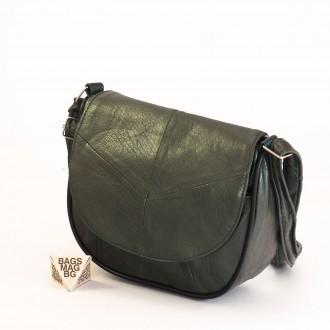 КОД: 0031 Малка дамска чанта от естествена кожа на парчета в тъмно зелен цвят