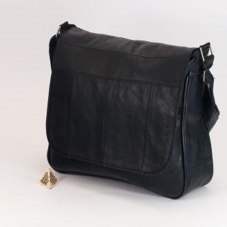 КОД: 0035 Дамска чанта от естествена кожа на парчета в тъмносин цвят