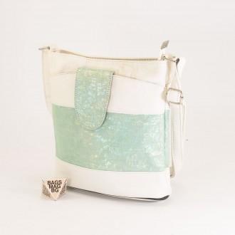 КОД: 0049C-1 Малка дамска чанта от естествена кожа на парчета