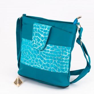 КОД: 0049C Малка дамска чанта от естествена кожа на парчета в син цвят