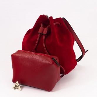 КОД : 0062 Малка дамска чанта 2 в 1 тип торба от естествена кожа и естествен велур в червен цвят