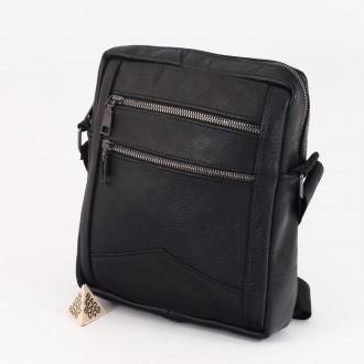 КОД : 0070 Мъжка чанта от естествена кожа в черен цвят