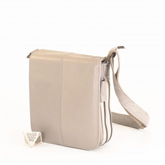 КОД : 00770-1 Мъжка чанта от естествена кожа в сив цвят - малък размер