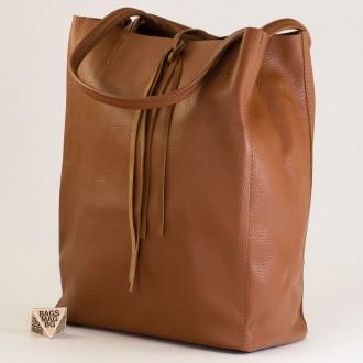 КОД : 0086-1 Дамска чанта тип торба от естествена кожа в кафяв цвят