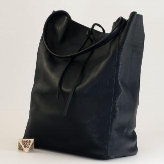 КОД : 0086-1 Дамска чанта тип торба от естествена кожа в тъмно син цвят