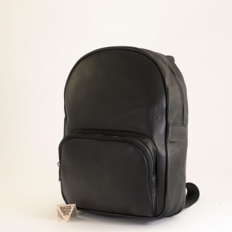 КОД: 01011 Дамска раница от естествена кожа в черен цвят