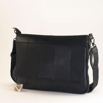 КОД : 01012 Чанта от естествена кожа в тъмно син цвят