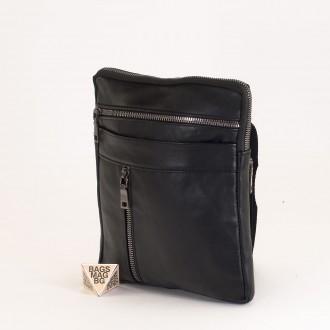 КОД : 01015 Мъжка чанта от естествена кожа в черен цвят