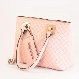 КОД: 01042 Дамска чанта от еко кожа в розов цвят
