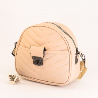 КОД: 01044-4 Малка дамска чанта от еко кожа в светло бежов цвят