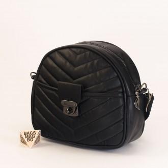 КОД: 01044-4 Малка дамска чанта от еко кожа в черен цвят