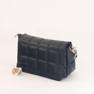КОД: 01044-5 Малка дамска чанта от еко кожа в тъмно син цвят