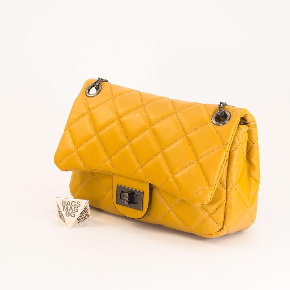 КОД: 01044-3 Малка дамска чанта от еко кожа в жълт цвят