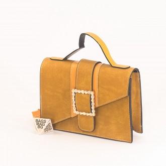 КОД: 01044-1 Малка дамска чанта от еко кожа в жълт цвят