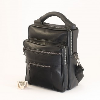 КОД : 01070 Мъжка чанта от естествена кожа в черен цвят