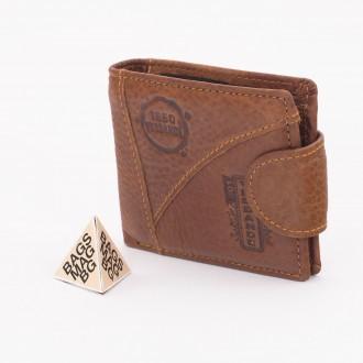 КОД : W9 Мъжки портфейл от естествена кожа в кафяв цвят
