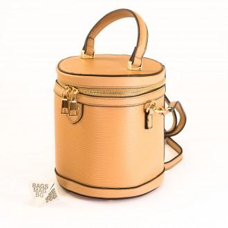 КОД: 0228 Малка дамска чанта от плътна и висококачествена еко кожа в цвят каки