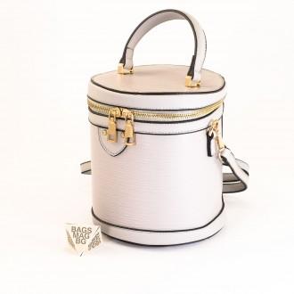 КОД: 0228 Малка дамска чанта от плътна и висококачествена еко кожа в сив цвят