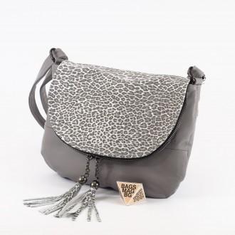 КОД: 0303 Дамска чанта от естествена кожа в сив цвят с животински принт