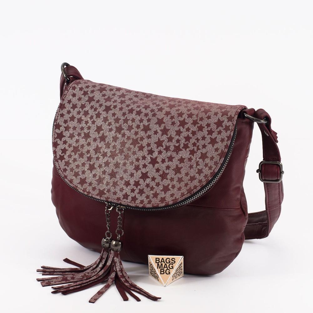 КОД: 0303 Дамска чанта от естествена кожа в цвят бордо с лъскав ефект