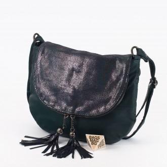 КОД: 0303 Дамска чанта от естествена кожа в зелен цвят с лъскав ефект