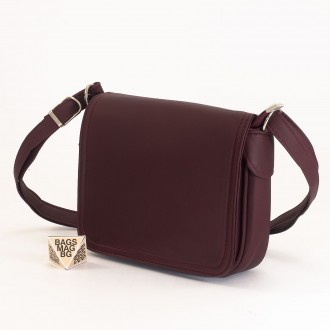 КОД: 0772 Дамска чанта от естествена кожа в цвят бордо