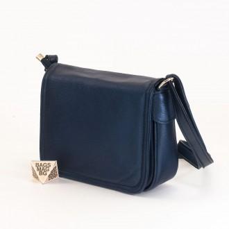 КОД: 0772 Дамска чанта от естествена кожа в тъмно син цвят с перлен ефект