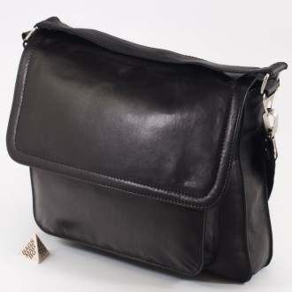 КОД : 0776 Мъжка чанта от естествена кожа в черен цвят