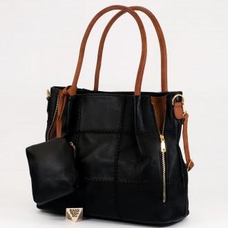 КОД: 1002 Дамска чанта от плътна и висококачествена еко кожа в черен цвят
