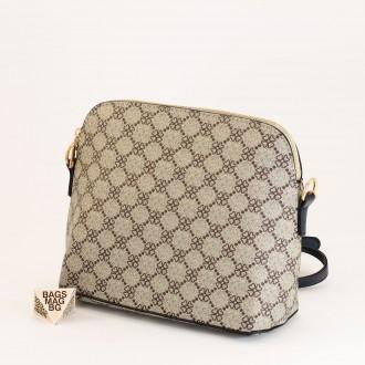 КОД: 1003 Малка дамска чанта от плътна и висококачествена еко кожа в син цвят