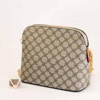 КОД: 1003 Малка дамска чанта от плътна и висококачествена еко кожа в червен цвят