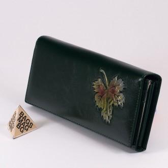 КОД : 1136 Дамски портфейл от плътна и висококачествена еко кожа в зелен цвят