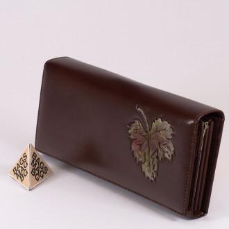 КОД : 1136 Дамски портфейл от плътна и висококачествена еко кожа в кафяв цвят