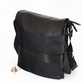 КОД: 1206 Мъжка чанта от плътна и висококачествена еко кожа в черен цвят