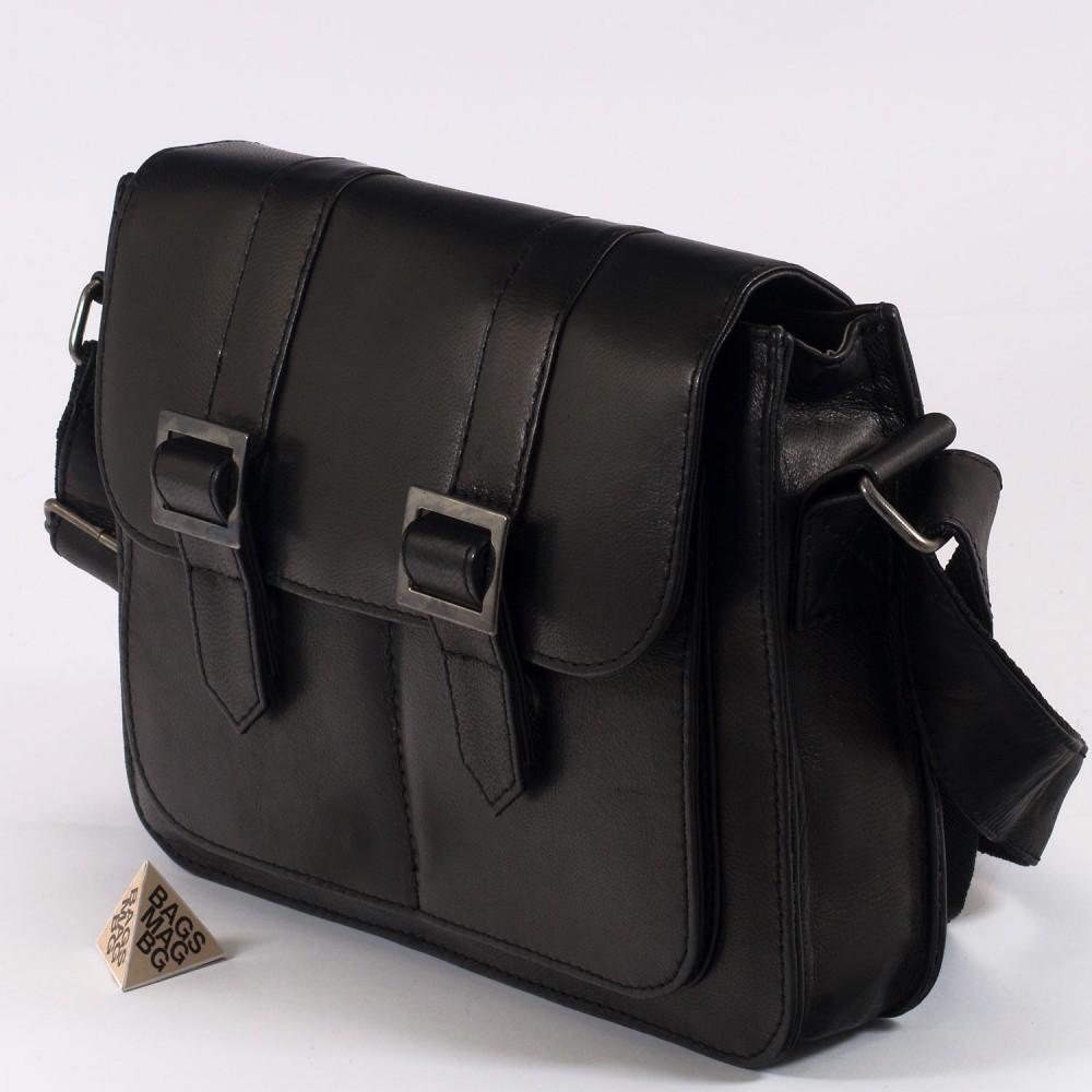 КОД : 1772 Чанта от естествена кожа в черен цвят