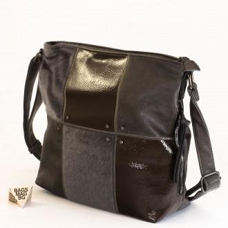 КОД : 1886 Дамска чанта от плътна и висококачествена еко кожа в сив цвят