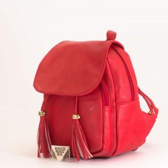 КОД: 2010 Дамска раница от плътна и висококачествена еко кожа в червен цвят