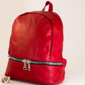 КОД: 217 Дамска раница от плътна и висококачествена еко кожа в червен цвят