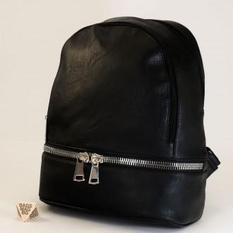 КОД:  217 Дамска раница от плътна и висококачествена еко кожа в черен цвят