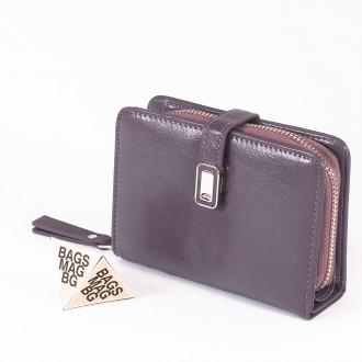 КОД : 2335 Дамски портфейл от плътна и висококачествена еко кожа в лилав цвят
