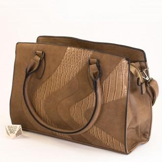 КОД : 2357 Дамска чанта от плътна и висококачествена еко кожа в цвят каки