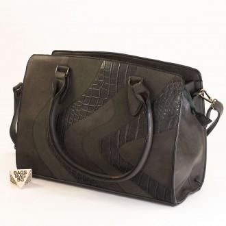 КОД : 2357 Дамска чанта от плътна и висококачествена еко кожа в сив цвят