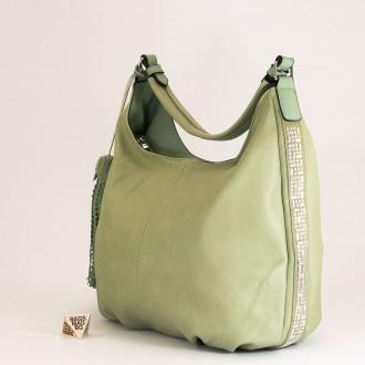 КОД : 2390 Дамска чанта тип торба от плътна и висококачествена еко кожа в зелен цвят