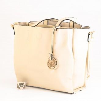КОД: 391 Дамска чанта от плътна и висококачествена еко кожа в бежов цвят