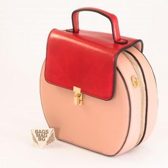 КОД: 393 Малка дамска чанта от плътна и висококачествена еко кожа в розов цвят